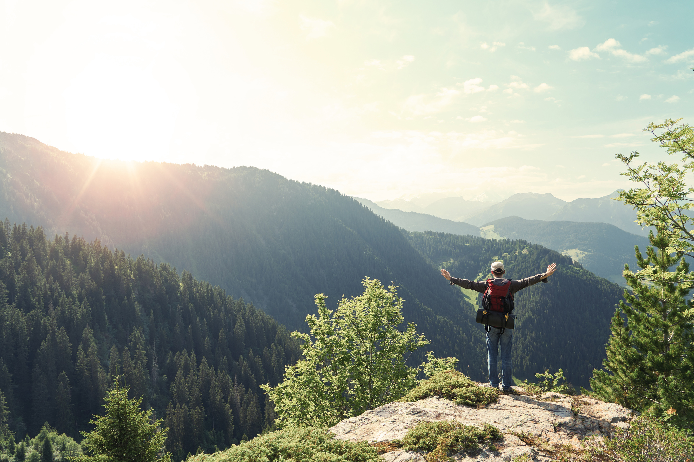Wanderer auf Berggipfel